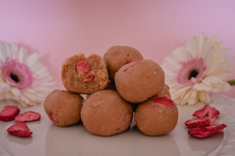 strawberry shortcake bites